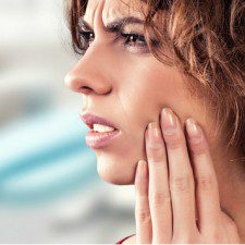 What is an Impacted Wisdom Tooth? Symptoms and Treatment